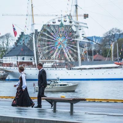 Glimpse of the Bergen Dock