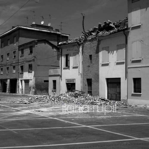 Collapsed Roofs in the High Risk Area in Novi di Modena